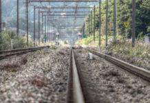 В Кузбассе электричка сбила девочку-подростка