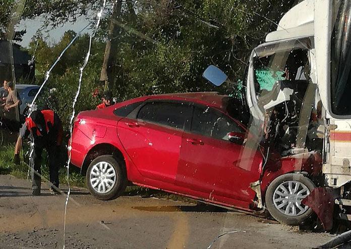 Смертельное ДТП в Мариинском районе 20 августа, Лада-Веста столкнулась с грузовиком