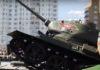 В Курске после парада перевернулся танк Т-34