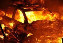 Ночью в Белове сгорел автомобиль