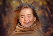 Осень, девушка, ветер