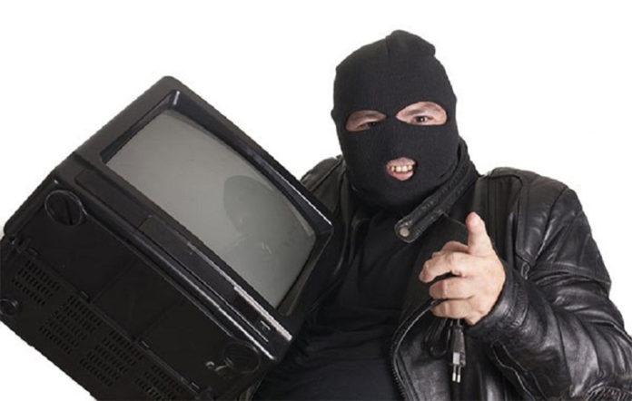 Украл телевизор