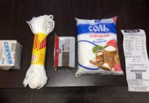 Пенсионерка подарила региональному министру мыло и веревку
