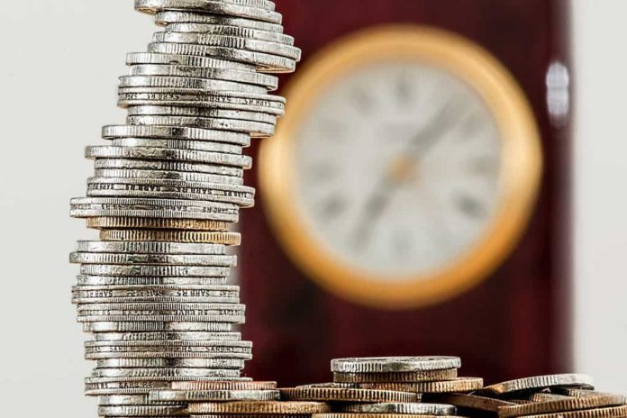 Пенсия, деньги, монеты