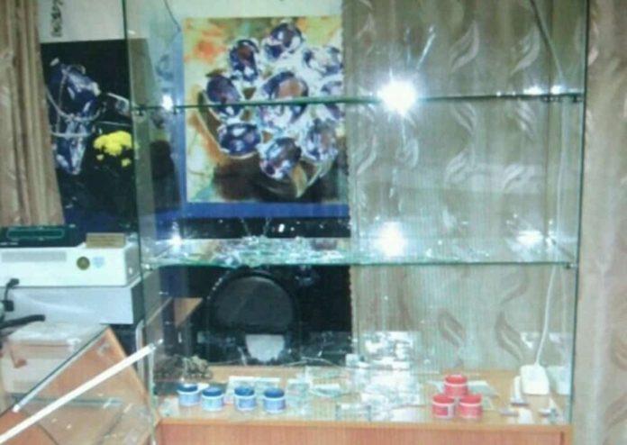 Житель Бачатского обокрал ювелирный магазин
