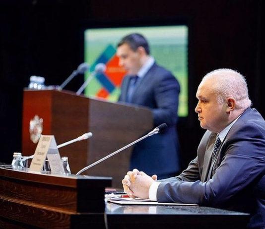 Сергей Цивилев отчитал депутата-коммуниста за внешний вид