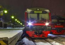 Электричка, поезд, перрон, зима