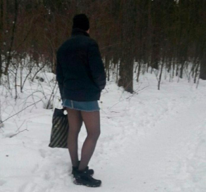 Мужик в мини-юбке, Полысаево, Кемеровская область