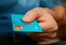 Деньги, банковская карта, оплата