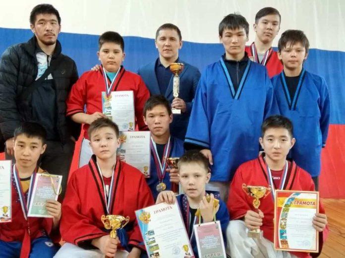 Команда Беловского района по национальной борьбе куреш