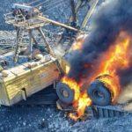 На Бачатском разрезе загорелись БелАЗ и экскаватор