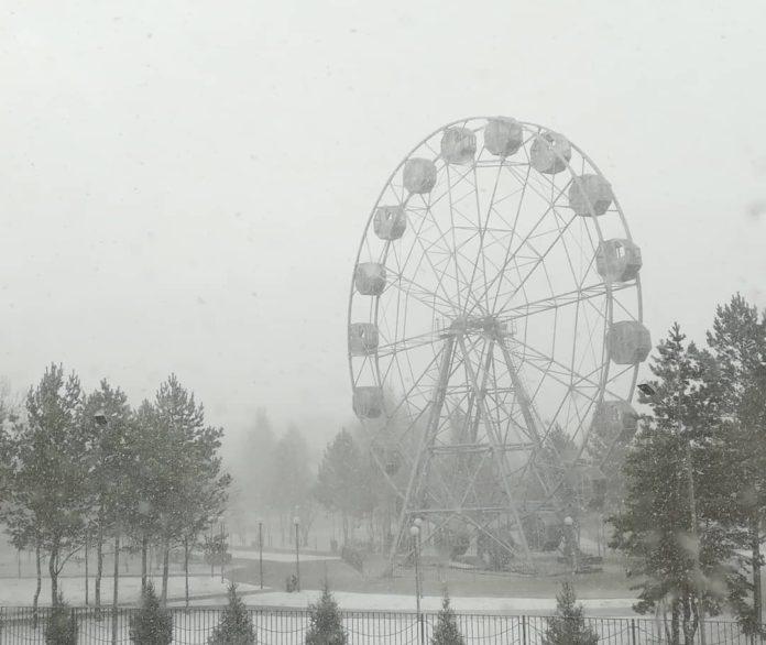Весенняя метель в Белово, 18 апреля 2019 г
