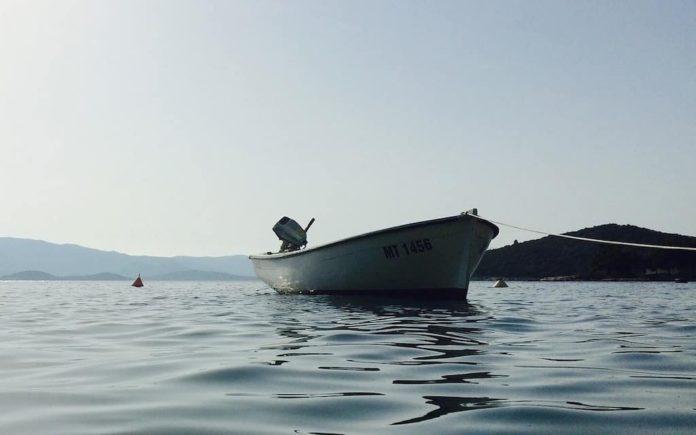 Лодка, озеро, река, рыбалка