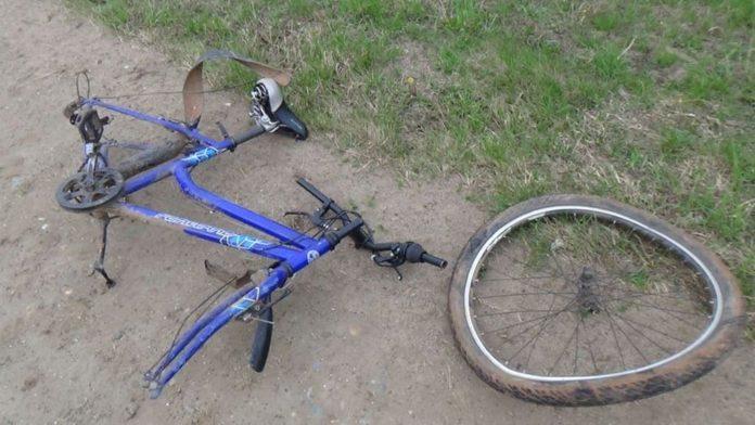 Разбитый после ДТП велосипед