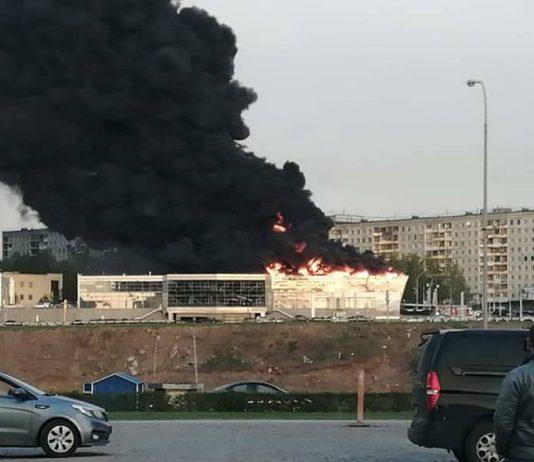 Пожар в Кемерово, горит автосалон, 20 мая 2019 г