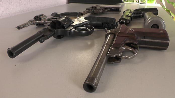 Беловчанин нашел в кустах мешок с оружием