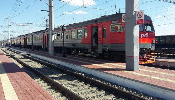 Электричка, поезд, перрон, Кузбасс-пригород