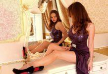 Женщина, зеркало, платье