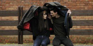 Погода, дождь, парень и девушка