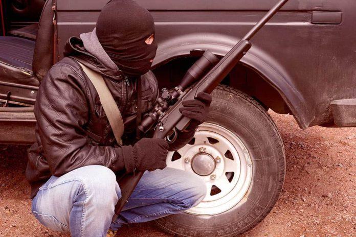 Стрелок, террорист, ружье, маска