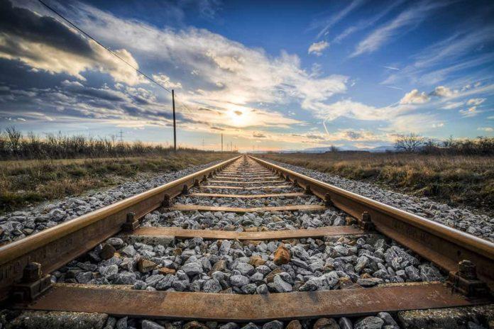 Железная дорога, рельсы, закат