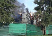 В Полысаево горит недостроенный дом
