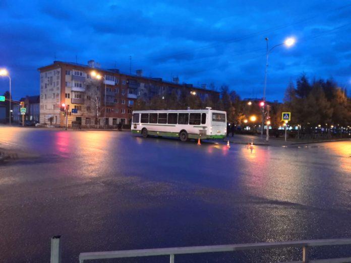 ДТП Белово, пожилая женщина попала под автобус, 28 октября 2019 г