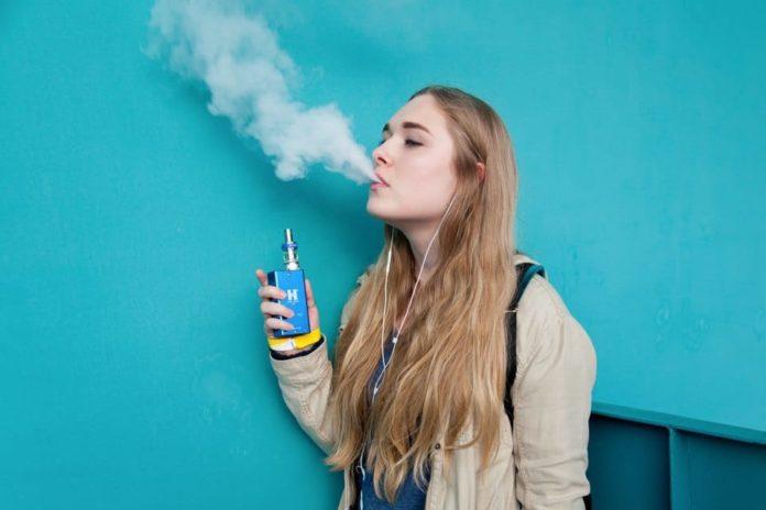 Вейпер, девушка, курение, парение