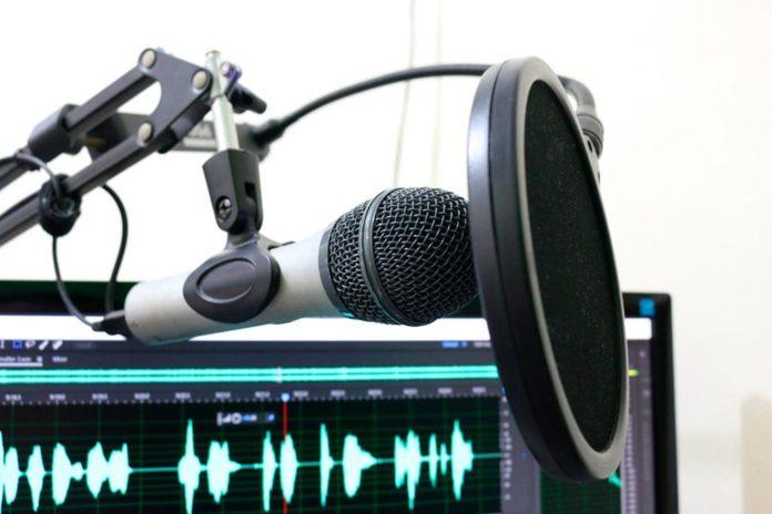 Микрофон, звукозапись, студия, музыка