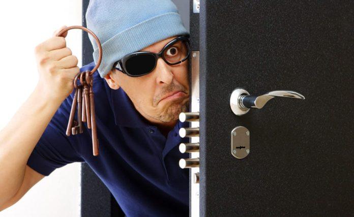 Дверь, вор, ключи