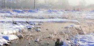 В Белове на улице Вахтангова прорвало трубу откачки грунтовых вод