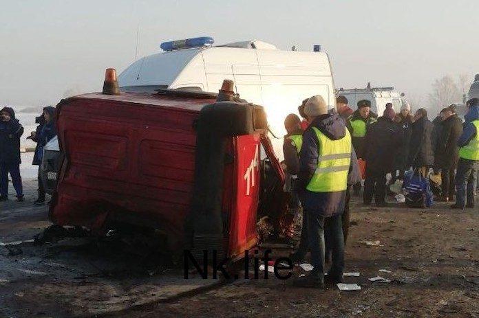 Автокран и углевоз столкнулись в Новокузнецком районе, 5 декабря 2019 г