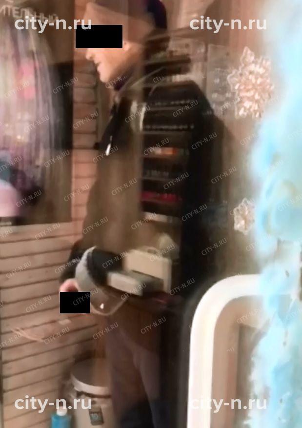 ВНовокузнецке эксгибиционист продемонстрировал «хозяйство» впарикмахерской