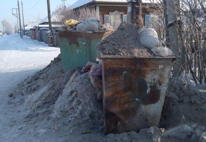 В Белово из частного сектора не вывозят мусор