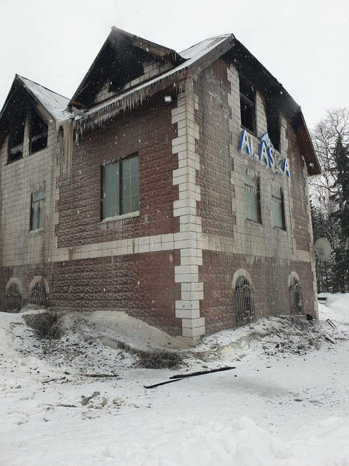 В Шерегеше сгорела гостиница Аляска, 30 декабря 2019 г