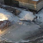 В центре Белова регулярно прорывает водопровод, Октябрьская, 63