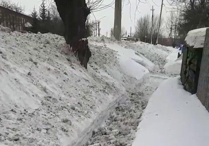 Очистка дорог от снега в Белово
