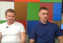 Участники клуба «Ледовое кольцо Белово» Алексей Александров и Владимир Смирнов