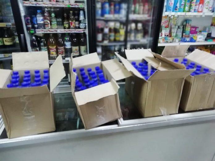 На станции Белово транспортные полицейские изъяли 40 литров контрафактной алкогольной продукции