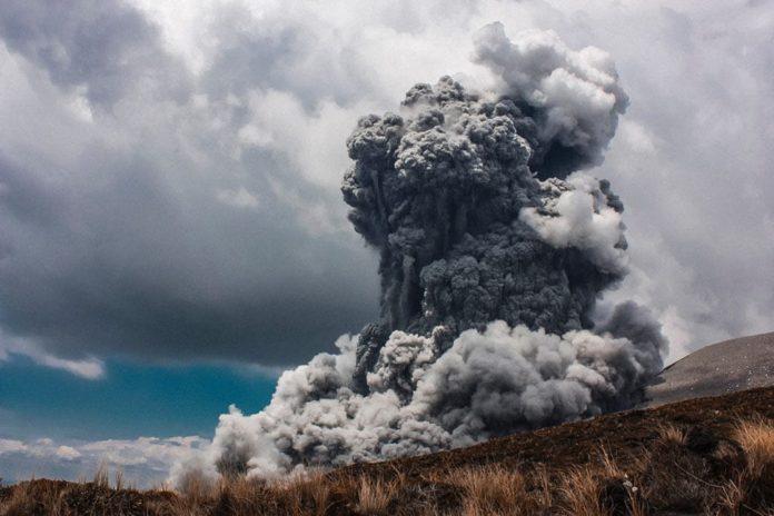 взрыв, дым
