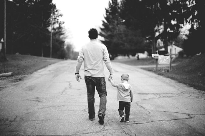 Отец, сын, дорога, дети