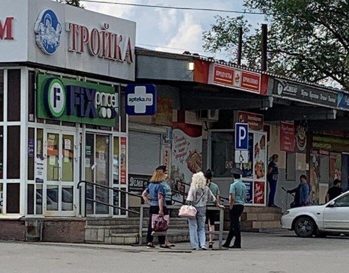ВБелове закрыли торговый центр «Тройка»