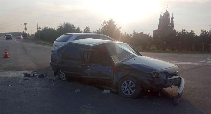 ДТП Белово. В Инском столкнулись две легковушки, 8 августа 2020 г