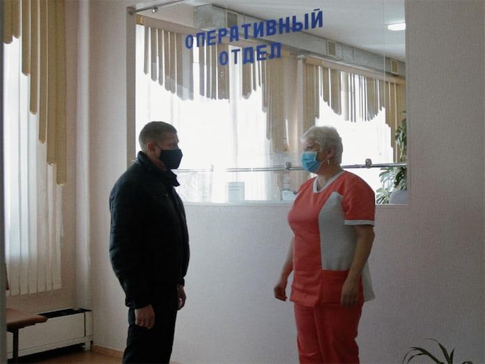 Алексей Курносов посетил подстанцию скорой помощи в Бачатском