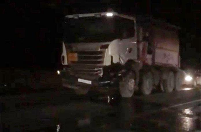 На гурьевской дороге легковушка врезалась в грузовик, погиб человек, 25 октября 2020 г