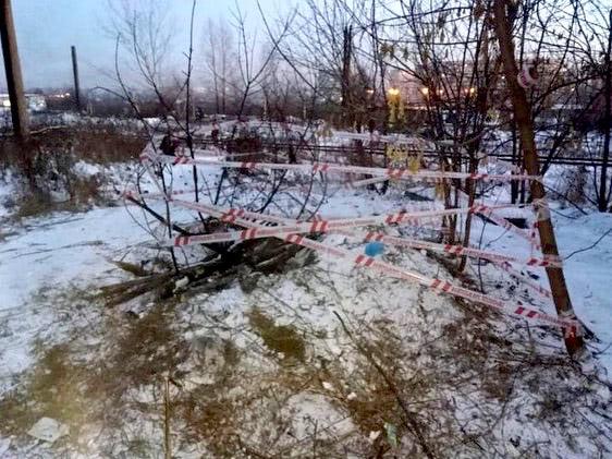 В Новокузнецке ребенок скатился с горки и провалился в 5-метровую яму, 26 ноября 2020 г