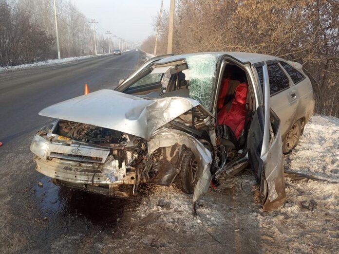 ДТП Белово. В Грамотеино легковушка врезалась в столб, 30 ноября 2020 г