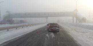 ДТП Белово. Легковушка столкнулась сгрузовиком натрассе «Кемерово-Новокузнецк», 27 декабря 2020 г