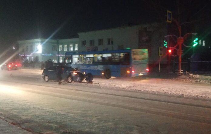 ДТП Белово, легковушка сбила подростка на улице Ленина, 13 января 2021 г