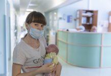 Врачи новосибирской клиники спасли маленького беловчанина